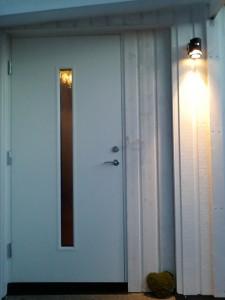 ytterdörr igensatt sidoljus